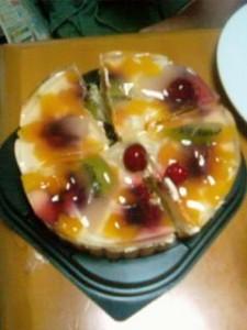妻がカットしたケーキ