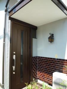 施工後:アルミ製玄関ドアー