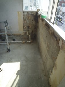 既存床を撤去した写真
