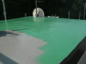 8トップコート塗布施工中