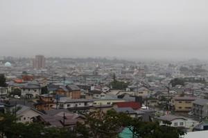飯盛山から鶴ヶ城を見る