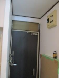 工事中の玄関ドア