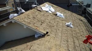 施工中 屋根和瓦解体