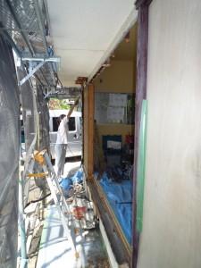 施工中 洋室1サッシ解体後