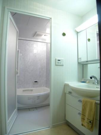 段差を解消した快適な浴室へ