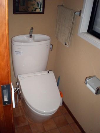 節水トイレのピュアレストEXと機能性ウォシュレットに