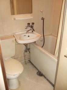 3点式ユニットバスよりトイレ別のユニットバスへ変更