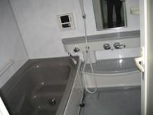 浴室はINAXの「ラ・バス テイスト」