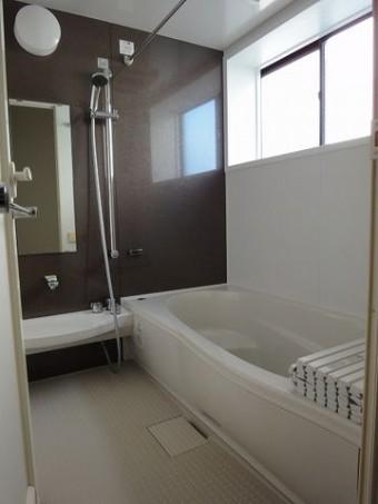 広くゆったりした浴室
