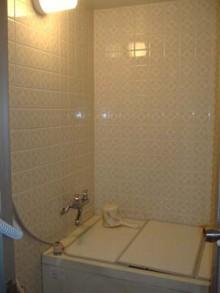 浴槽も洗い場も広げて快適に