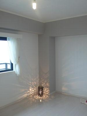 白を基調とした明るい空間に