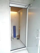玄関網戸設置で風通しのよい住まいに