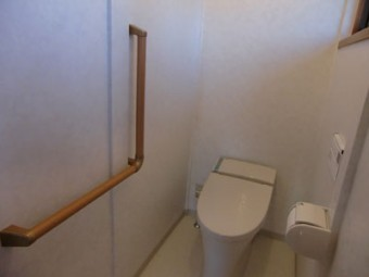 和式のトイレをLIXILのタンクレストイレサティスに交換