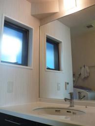 広々とした洗面スペースに