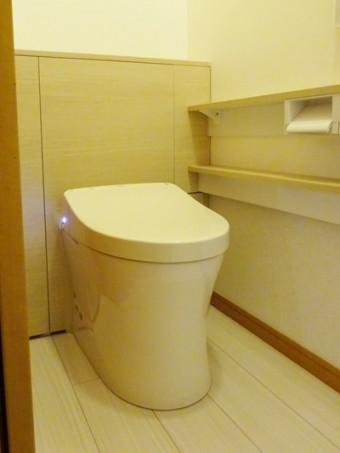 TOTOレストパルL型でスッキリ収納&手洗いのしやすいトイレに
