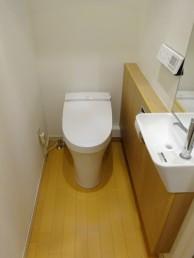 プレアスLSとサティスリトイレ手洗器付にお取替え