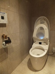 節水でやわらかい洗浄音のネオレストAHに交換