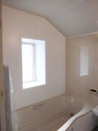斜め天井の浴室交換!1116から1616へサイズアップ