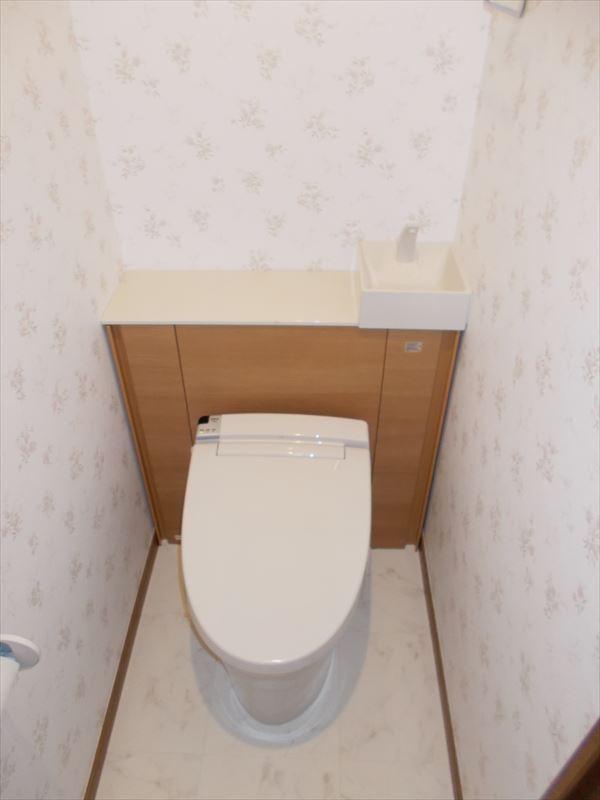 大人気!収納一体型トイレLIXILリフォレにお取替え