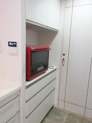 L型キッチンから2列配置の対面キッチンに