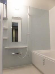 明るくスッキリとした浴室へ