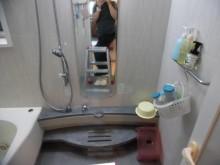 小さなお子様も入りやすいエコベンチ浴槽で楽しいバスタイムに