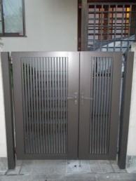木製門扉からアルミ製門扉へのお取替え