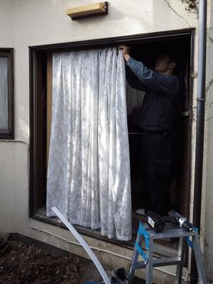 窓サッシを玄関にお取替え!