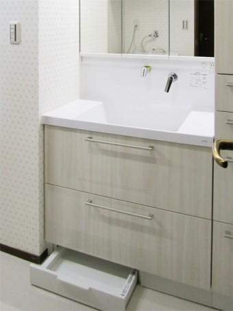 トールキャビネットや体重計収納で洗面室がスッキリ