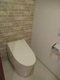 TOTOのタンクレストイレにお取替え!好みのデザインに