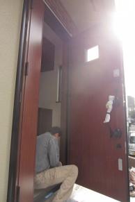 玄関ドアリフォームで気分も一新