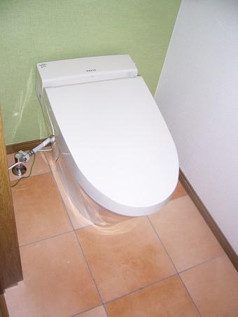 タンク付トイレからタンクレスへ サティスSに交換