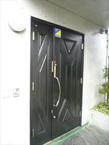 カバー工法で玄関ドアのお取替え