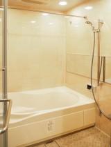 摩天楼と癒しの浴室で豊かな時間を