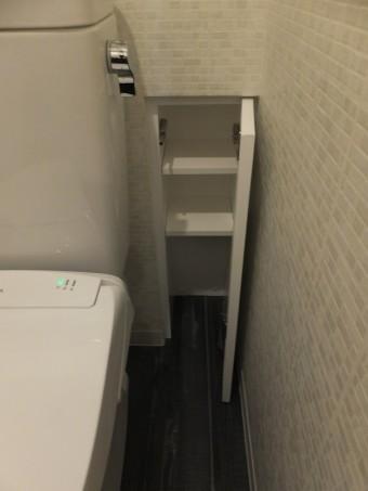 広々とした浴槽と壁のアクセントで、癒しの空間に。 世田谷区A様邸
