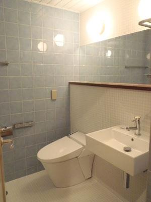 新旧タイルがキレイな在来浴室・洗面・トイレ空間