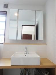 造作でシンプル&使いやすい洗面に