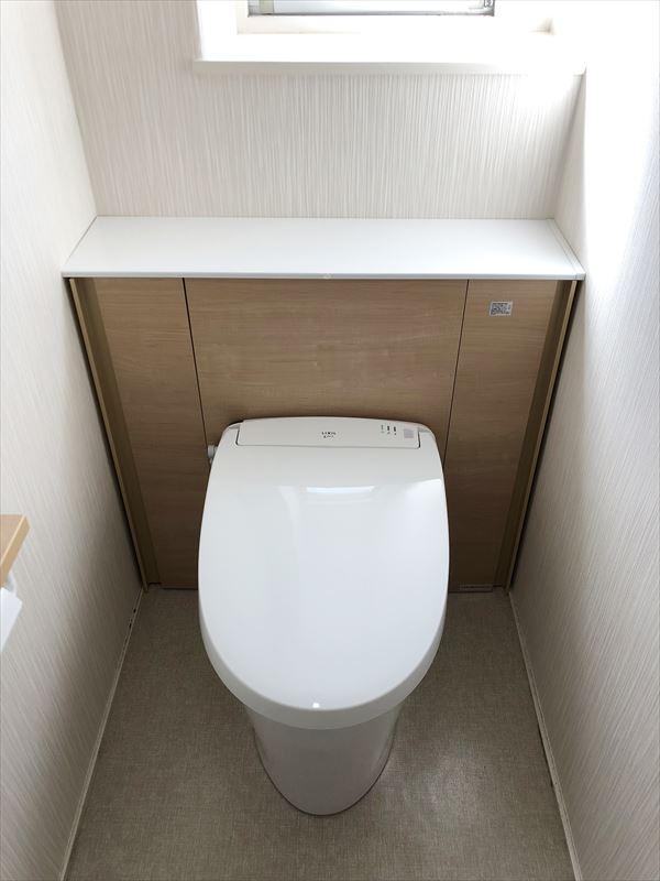 キレイが続くトイレにー LIXILリフォレにお取替え