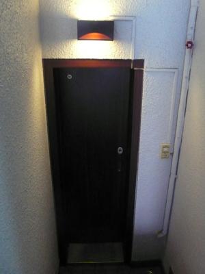 タンクレストイレ サティスでスッキリとしたトイレ室へ